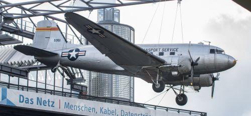aircraft candy bomber berlin