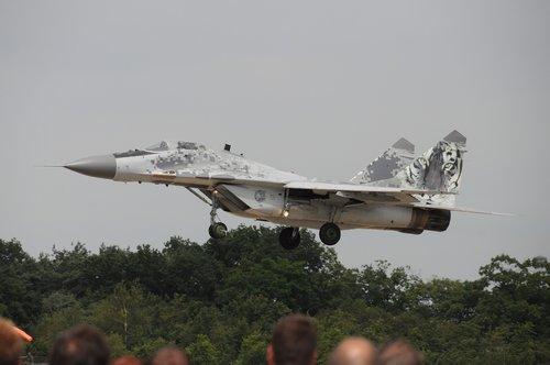 aircraft  military  jet