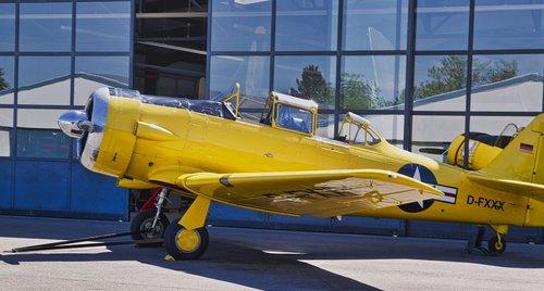 aircraft  vehicle  airport