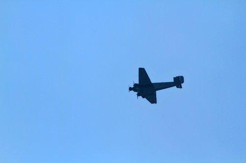 aircraft  military  flight
