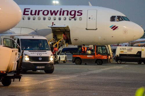 aircraft  loading  düsseldorf