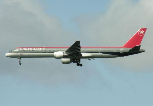 aircraft plane boeing