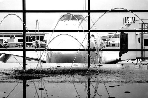 aircraft  fountain  airport