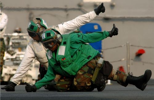 aircraft carrier crew clear to launch signal