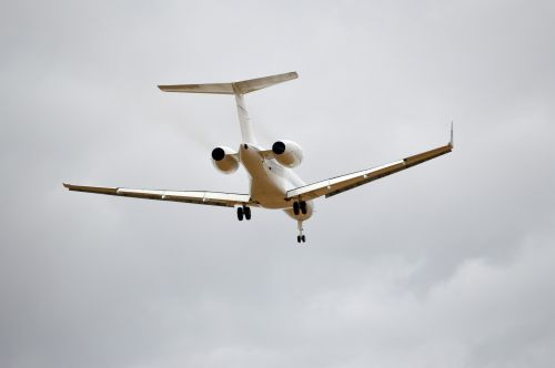 Aircraft On Final