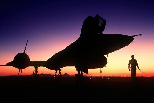 aircraft silhouette sr-71 reconnaissance aircraft