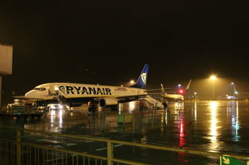 airplane plane airport