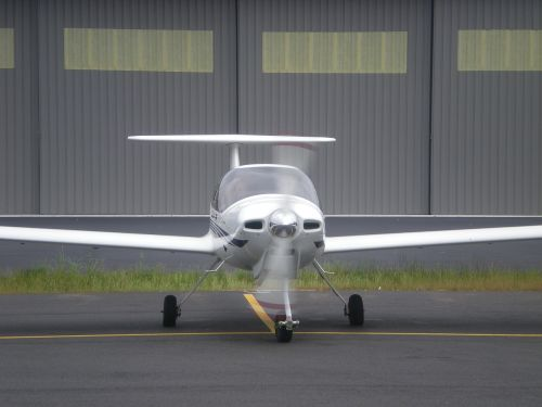 airplane propeller airport