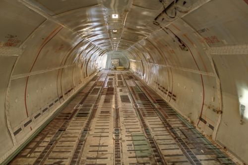 airplane cargo bay transportation