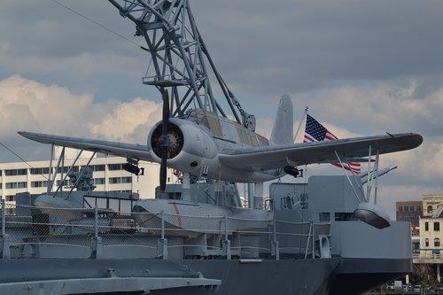 airplane  battleship  seaplane