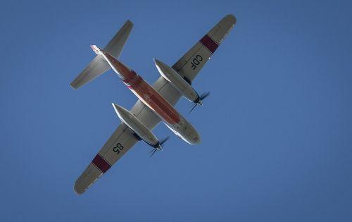 airplane flying tanker