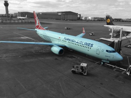 airplane turkish airlines manchester airport