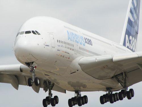airplane aircraft airbus