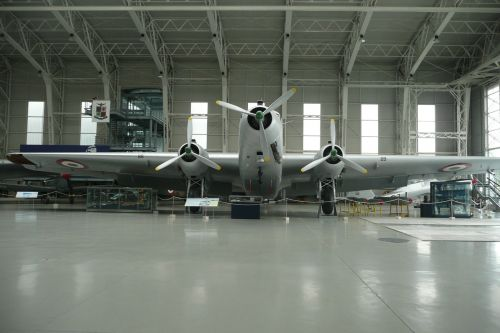 hangar vintage plane