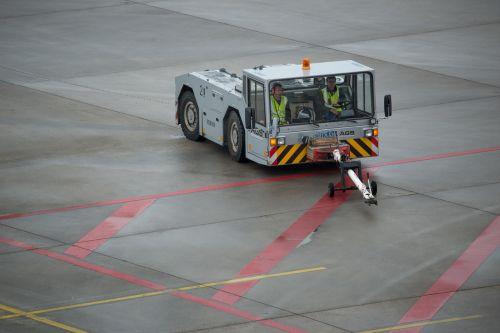 airplane tug airport prior to