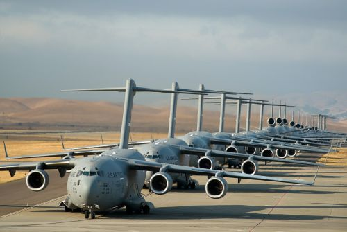 airplanes lined up takeoff