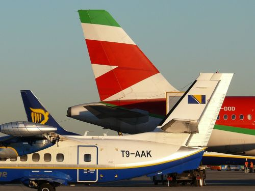 airport italy planes