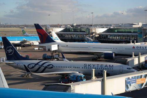 airport amsterdam aircraft