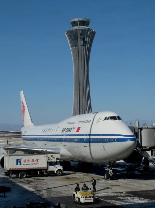 airport boeing 747