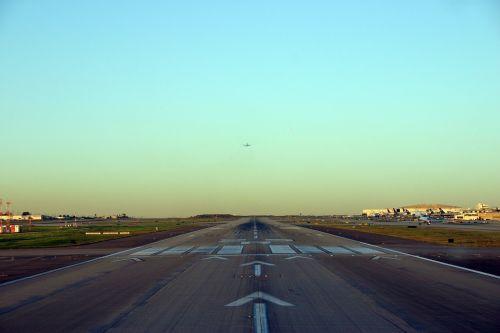 airport runway airport runway