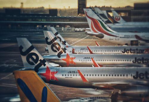 airport plane jetstar