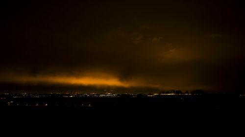 airport night photograph night lights