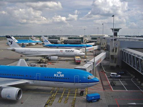 airport terminal schiphol