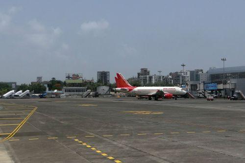 airport mumbai aircraft
