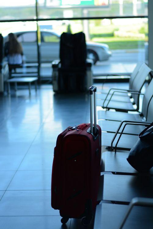 oro uostas,kelionė,keliautojas,verslas,lagaminas,išvykimas,kelionė,turistinis,laukimas,terminalas,kelionė,bagažinė,turizmas,įlaipinimas,vežimėlis,maišas,tarptautinis