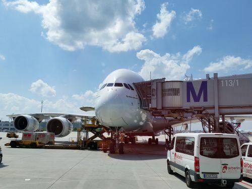 airport aircraft aviation