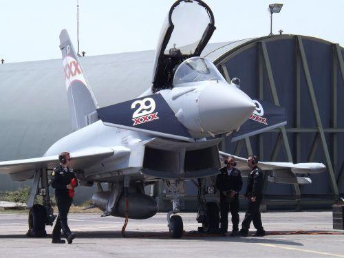 airshow aircraft combat