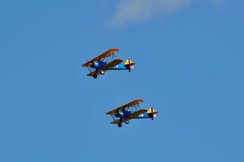 airshow biplane stearman