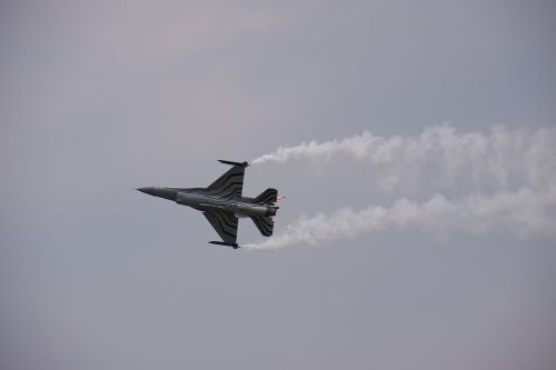 airshow starfighter flying