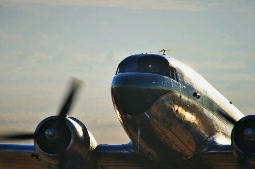Airshow, Dakota Historic Flight