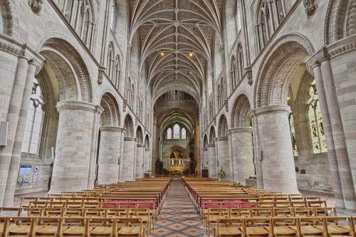 aisle altar arch