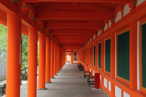 aisle  columns  orange