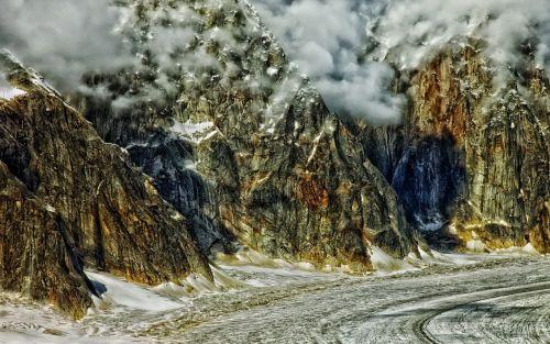 alaska ruth gorge mountains