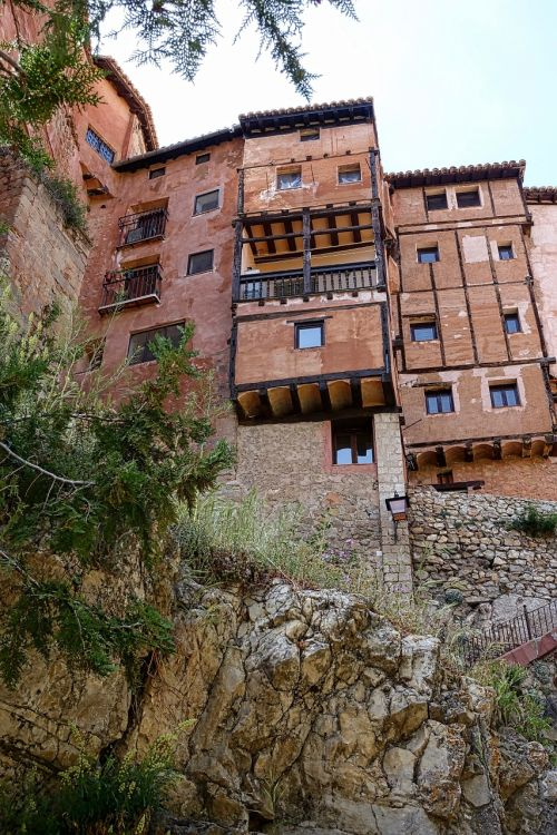 albarracin aragon houses