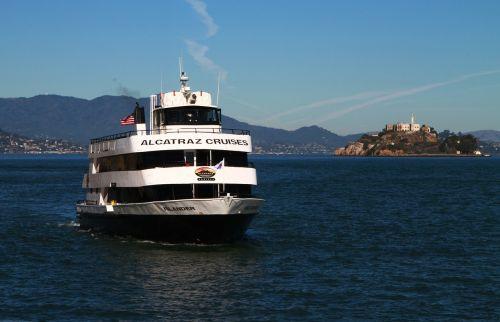 alcatraz cruise boat ship