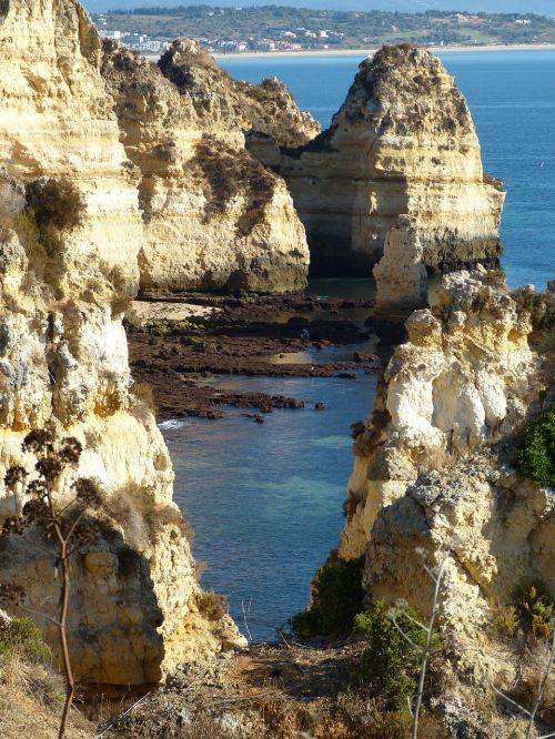 algarve rocky coast portugal
