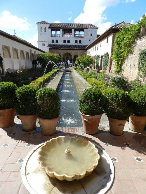 alhambra granada summer