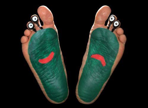 alien feet foot