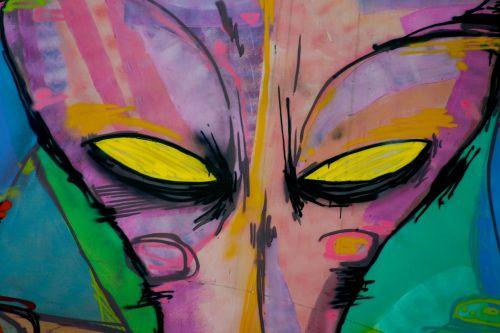 alien eyes graffiti