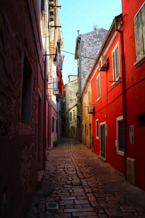 alley cobblestones historically