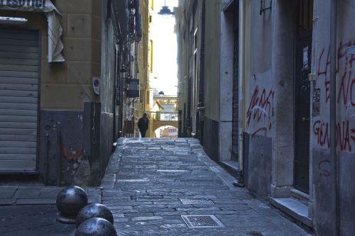 alley alleyway street
