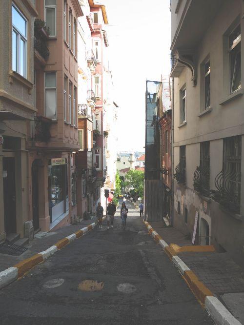 alley streets sidewalk
