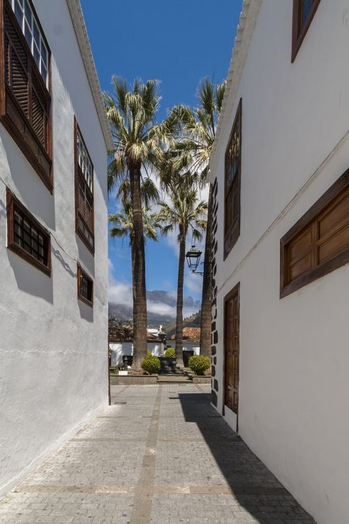 alley narrow lane canary islands