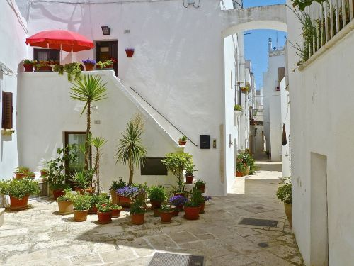 alley urban narrow