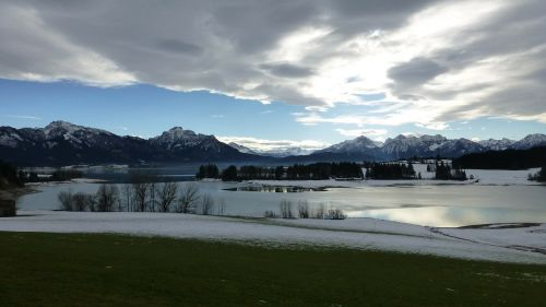 allgäu lake forggensee winter