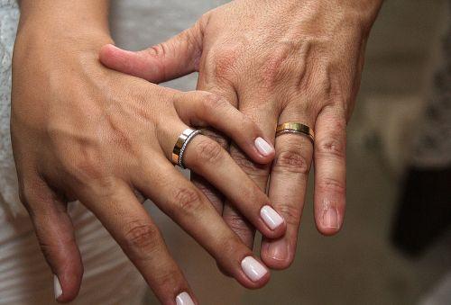 alliance hands marriage